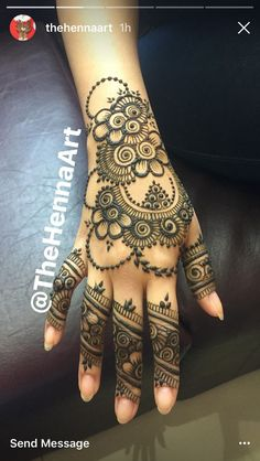 like the dotted circle pyramid inside neg circle, also chains & finger details. Pretty Henna Designs, Mehndi Designs 2018, Stylish Mehndi Designs, Mehndi Designs For Girls, Mehndi Designs For Fingers, Henna Designs Easy, Beautiful Mehndi Design, Henna Tattoo Designs, Mehndi Design Pictures