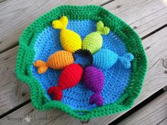 Rainbow Fishing Game - Free Pattern I think this is super cute and I THINK a great way for your little ones to learn basic colours while having a bit of fun.