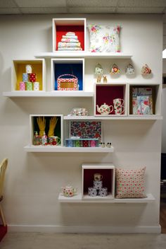 // visual merchandising // display // cath kidston // lifestyle // homewares For the home column Box Shelves, Display Shelves, Window Shelves, Display Wall, Shelving, Cath Kidston, Fashion Closet, Display Design, Display Ideas