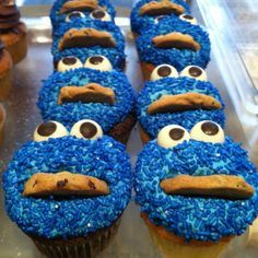 It's Fun Friday! We have Cookie Monster cupcakes today by Flour & Sun, via Flickr