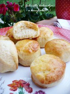 Gabriella kalandjai a konyhában :) Hungarian Desserts, Hungarian Recipes, Hungarian Food, Savory Pastry, No Salt Recipes, Salty Snacks, Scones, Biscuits, Food And Drink