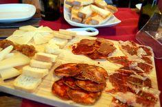 Per començar amb forces la nova setmana, esmorzars de forquilla als bars i restaurants de #laSegarra http://www.lasegarra.org/Restaurants-434.html Ft: El Celler de Guissona