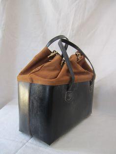 // arts & science box bag