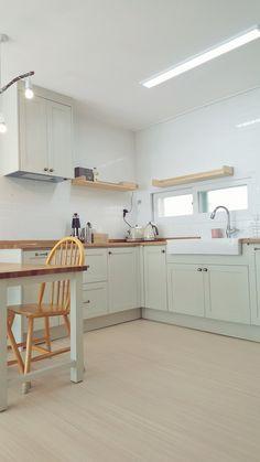 작은 공간이라도 단순하면서 밀도있게 배치한 미니멀 키친입니다. 분당 주택에 입주한 원목싱크대 입니다. Material ash, pine, cedar, MD Finished oil, water varnish, eco-paint made by f.limetree Architecture Design, Kitchen Cabinets, House Design, Interior, Table, Furniture, Home Decor, Kitchens, Houses