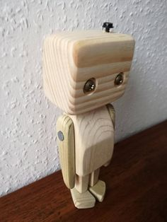 Wooden robot Wood Crafts, Diy And Crafts, Walnut Shell, Kids Wood, Wood Creations, Wood Toys, Wood Carving, Into The Woods, Wood Art