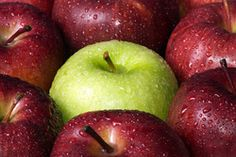 Eat Apples for Whiter Teeth - Eating fruits and veggies is great for your teeth -- after all, teeth were meant for chewing. Did you know that eating apples . How To Store Apples, Apple Facts, Kids Cooking Activities, Kid Activities, Preschool Ideas, Fruit And Vegetable Wash, Vegetable Glycerin, Apple Pie Bread, Apple Festival