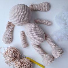 Все детали зайки связаны,набиты и готовы к сборке,и можно приступать к самой интересной части процесса!!! Любовь в каждой петельке. Спасибо за❤! ____________________________________ Зайка связана по МК Е. Исаевой. #процесссоздания #детали #amigurumi #handmade #amigurumitoys #handmadetoys #knitting #onelivehendmade #rаbbit #вязаныйзаяц #зайка #вязаниекрючком #творчество #хобби #вязаныеигрушки #weamiguru #вязанаяигрушка #зайкаамигуруми #ручнаяработа #вяжуслюбовью #вяжуназаказ #и...