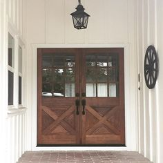 """Wonderful Free of Charge Farmhouse Front Door stain Suggestions Interior designers often refer to art as """"the jewelry of the home,"""" but in regards to enhancing Country Front Door, Double Front Entry Doors, Wood Front Doors, Front Door Entrance, Farmhouse Front Doors, House Entrance, Barn Doors, Exterior Doors, Interior And Exterior"""