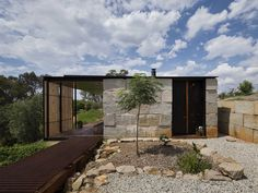 Trash to Treasure: Archier Recycles 270 castaway concrete blocks to create modern cliffside home