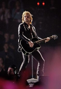 Bon Jovi on stage at Xcel Energy Center in Saint Paul, Minn. January 27, 2006