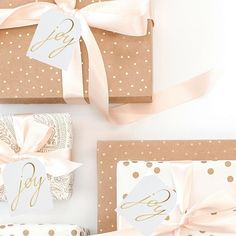 Beautiful #gifttags with beautiful gift wrap, what else can you ask for! They are a large size with plenty of room to write a message on the back. That's a plus. @wowwordz . . . . #holiday #christmas #goldfoil #giftwrap #christmaswrapping #joy #giftwrapping #holidaygifttags #christmasgifttags #etsysuccess #etsywholesale #winetag #hotfoil #holidaytags #partyfavors #stylishpaper #smallbusiness #stylishstationery #elegant #stationery #shopsmall #papergoods #happyholidays #womeninbiz…
