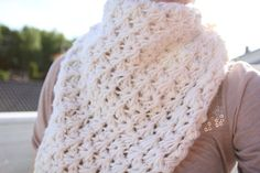 Icelandic Sunrise Shawl - free knitting pattern - Pickles looks a bit complicated, but oh so pretty and different. Loom Knitting, Knitting Stitches, Knitting Patterns Free, Free Knitting, Free Pattern, Knitting Needles, Crochet Patterns, Knitted Shawls, Crochet Scarves