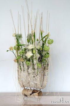 Floral designer: Gregor Lersch Floral Design Photo credit: Zsolt Gabriel Horvath — at Floristiq Art International.