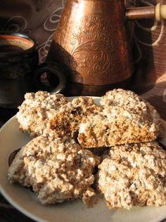 Печенье, о котором нужно забыть Ингредиенты  Белок яйца1 шт Сахарная пудра1/2 сткн Орехи (любые, у меня грецкие)1/2 сткн Шоколад кусочками1/2 сткн Кокосовая стружка75 г Ванильный сахар