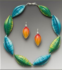 **Split complimentary color scheme in this necklace by sarah shriver / Split complimentary 1 blue green orange--I chose this piece because it is a great example of the theme .With its exciting use of contrast ,balance and unity.