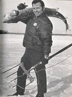 Vintage Michigan Fishing Photo, Ice Fishing for Sturgeon Nice! Pike Fishing, Spear Fishing, Surf Fishing, Walleye Fishing, Fishing Tackle, Fishing Lures, Kickin It Old School, Fishing Photos, Fishing Photography
