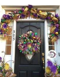 Video How to make a Deco Mesh Mardi Gras Garland by www.southerncharmwreaths.com #mardigras