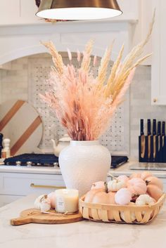 Simple & Elegant Fall Decor: Kitchen Fall Decor - The Pink Dream - - Simple fall decor tips: how to decorate your home for fall with pumpkins, mini pumpkins and candles. Simple tips to create beautiful fall decor vignettes.