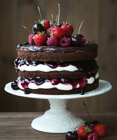10 back trends that every hobby baker should know - Torten, Kuchen, Muffins, Süßspeisen und Co. Cupcakes, Cupcake Cakes, Chocolate Strawberry Cake, Chocolate Naked Cake, Chocolate Ganache, Chocolate Sponge, Chocolate Buttercream, Delicious Chocolate, Lemon Layer Cakes