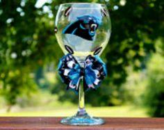 Carolina Panthers wine glass Panther Football, Carolina Panthers Football, Panther Nation, Personalized Wine Glasses, Usc Trojans, Football Stuff, Auburn Tigers, Tar Heels, Beer Mugs