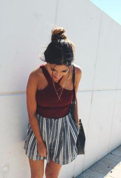 summer #outfit wearing asymmetrical burgundy crop top, striped shorts. Fotos tumblr sola