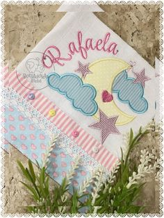 Baby Hug, Decorative Towels, Applique Patterns, Baby Sewing, Burp Cloths, Quilling, Baby Items, Machine Embroidery, Embroidery Designs