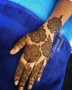 54 ideas for bridal henna jewels Khafif Mehndi Design, Latest Henna Designs, Floral Henna Designs, Indian Henna Designs, Henna Art Designs, Mehndi Designs For Girls, Modern Mehndi Designs, Dulhan Mehndi Designs, Mehndi Design Photos