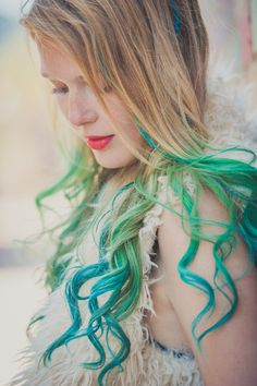 Why just use one color? With hair chalk you can do it however you want!