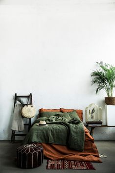 FULL SET OF Linen bedding/burnt orange Linen bedding set with Burnt Orange Bedroom, Bedroom Green, Room Decor Bedroom, Burnt Orange Decor, Orange Bed Linen, Orange Room Decor, Burnt Orange Living Room, Yellow Bed, Earthy Bedroom