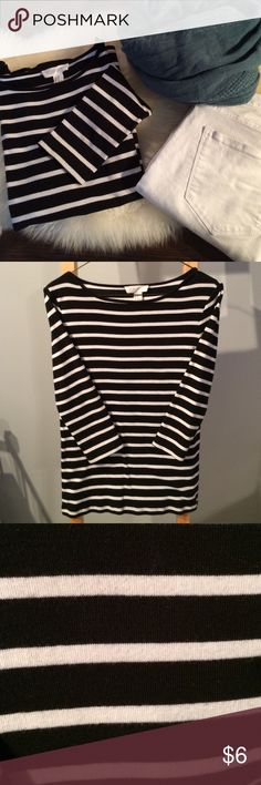 """Striped jersey top Versatile 3/4 sleeve top...goes with everything! 24"""" from shoulder to hem. Size M but fits like a S. Forever 21 Tops"""