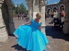 Cinderella Tea length - Cinderella dress - Disney Costume Cinderella Halloween Costume, Adult Disney Costumes, Adult Mickey Mouse Costume, Frozen Costume Adult, Disney Princess Costumes, Belle Costume, Couple Halloween Costumes For Adults, Costumes For Women, Pocahontas Costume