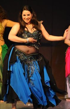 Bellydancer Rachel - this is what a belly dancer should look like