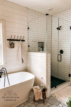 Interior Exterior, Bathroom Interior Design, Home Interior, Master Bathroom Designs, Master Bathroom Remodel Ideas, Small Master Bathroom Ideas, Bathroom Renos, Bathroom Renovations, Budget Bathroom