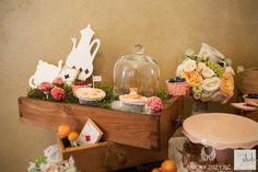 29. Alice in Wonderland Wedding,Sweet table decor,Sweets,Vintage / Alicja w Krainie Czarów,Dekoracje słodkiego stołu,Słodkości,Anioły Przyjęć