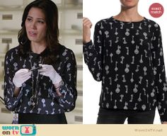 Angela's black key print blouse on Bones Tv Show Outfits, Cool Outfits, Michaela Conlin, Work Fashion, Fashion Outfits, The Black Keys, Classy And Fabulous, Work Attire, Printed Blouse