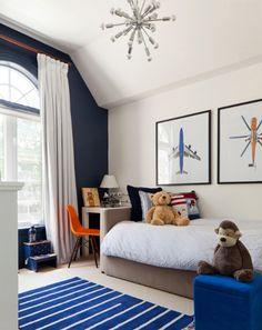 boy's bedroom, kid's bedroom, dark navy accent wall, white and blue kids bedroom (Benjamin Moore, Hale Navy)