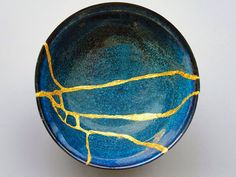 """By repairing broken ceramics it's possible to give a new lease of life to pottery that becomes even more refined thanks to its """"scars"""". The Japanese art of kintsugi teaches that broken objects are not something to hide but to display with pride."""