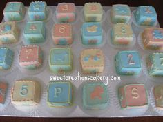 baby blocks petit fours idea Baby Shower Desserts, Baby Shower Cupcakes, Baby Shower Fun, Baby Shower Gender Reveal, Shower Cakes, Baby Announcement Cake, Anniversary Cupcakes, Pamper Party, Baby Girl Cards