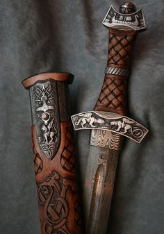Extremely detailed instructions on making full body casts using plaster and fiberglass and making durable, reusable molds for armor. His armor material is HOT GLUE! Viking Sword, Viking Warrior, Viking Life, Swords And Daggers, Knives And Swords, Vikings Art, Cool Swords, Sword Design, Medieval Weapons