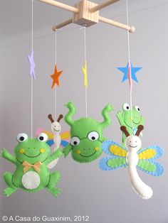 What could be cuter than this frog and dragonfly mobile