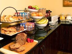 Enjoy Complimentary Wi Fi With Your Expanded Continental Breakfast At The Elan Hotel Los