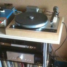 -Thorens (mod) / Wand / Zu Denon Joel's heavily modified is representative of a tradition amongst French audio enthusiasts using a separate heavy arm mounting pod and allowed him to mount The Wand Family Show, Building Design, Turntable, Wands, Separate, Arm, Audio, French, Traditional