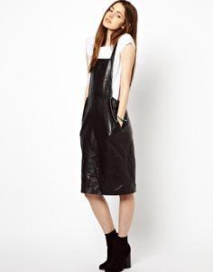 €183, Pichi de Cuero Negro de Hide. De Asos. Detalles: https://lookastic.com/women/shop_items/78660/redirect