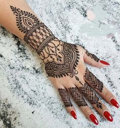 Cute Henna Tattoos Designs Images Gallery - Best Cute Henna Tattoo Designs Pictures on Hand for Girl. New collection henna design with cute design Henna Tattoo Hand, Cute Henna Tattoos, Hand Tattoos, Henna Art, Arabic Henna, Tatoos, Henna Hand Designs, Bridal Henna Designs, Mehndi Designs For Hands