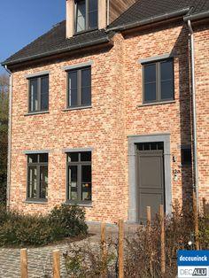 Future House, Home Goods, Brick, Garage Doors, Sweet Home, House Design, Windows, Facade, Outdoor Decor