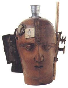"""Raoul Hausmann""""Cabeza mecánica (el espíritu de nuestro tiempo)"""", 1919-20, Berlín, Colección Hanna Höch"""