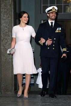 Strahlend spazierte sie in den königlichen Palast