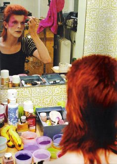 David Bowie getting made up as Ziggy Stardust. Bowie's Glam rock era. #DavidBowie #ziggystardust