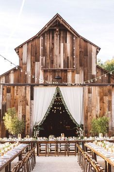 Wedding Planning Obsessing over this modern ranch wedding! - You won't find an ounce of stuffy in this modern ranch celebration. Barn Wedding Venue, Wedding Bells, Fall Wedding, Dream Wedding, Wedding Rustic, Elegant Wedding, Trendy Wedding, Luxury Wedding, Rustic Barn Weddings