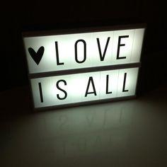 """J'ai craqué ! #lovelylittlelightbox #caravanefaubourg"""